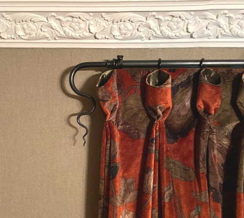 Made to measure curtain pole with velvet curtains